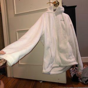 White zip up Columbia fleece jacket